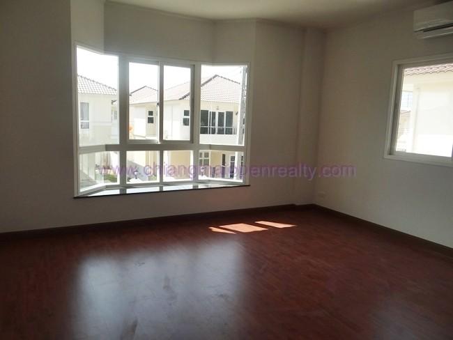 [H61] 3 Bedroom House for rent @ Moobaan Suphalai Ville.