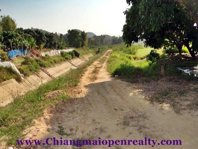 [L42] Land for sale @San Kamphaeng.