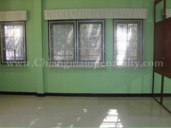 [H275] House with 3 bedrooms and basement for rent @ Nong Hoi