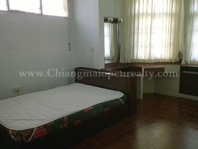 [H289] 2 bedrooms with house keeper separate for rent @ Siriwattananivet. -Unavailable-