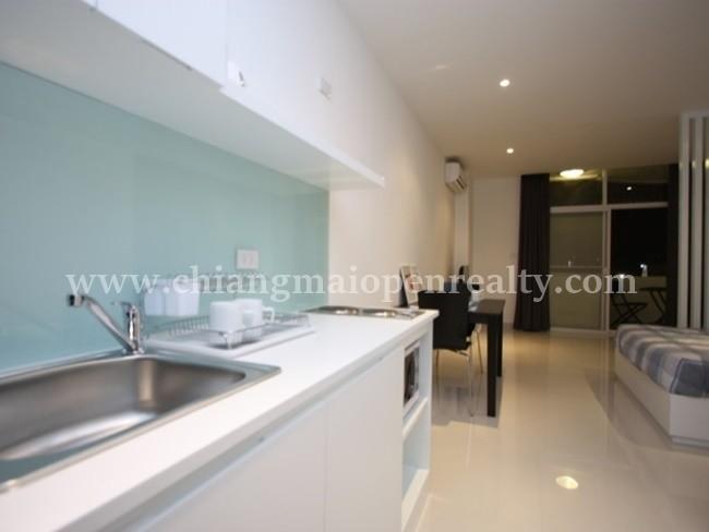 [Supanich034] A modern renovate studio for rent @ Supanich Condo