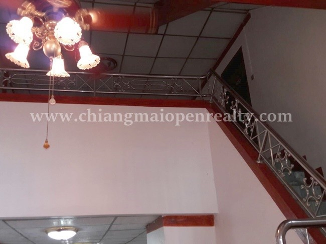 [H315] Unfurnished townhouse for rent or sale @ Chang Klan, Muang