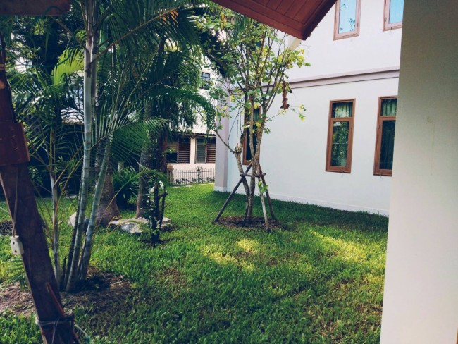 [H429] House for Rent 4 bedrooms 5 bathrooms beautiful house.