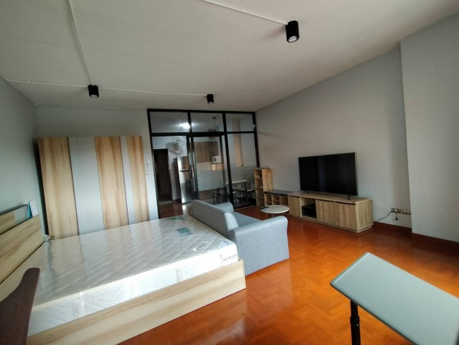 [CR172] Apartment for Rent fully furnished with king size bed.@ Riverside condo
