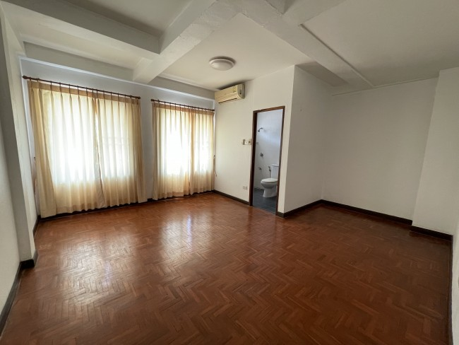 [H507] 3 storey commercial building for sale 5 minutes walk to lotus Hang Dong